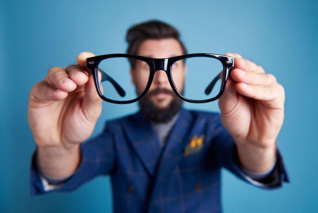 הורדת משקפיים